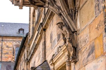 Wall Mural - Figur am Erkerfuß, Fassadenfront am Domplatz in Bamberg