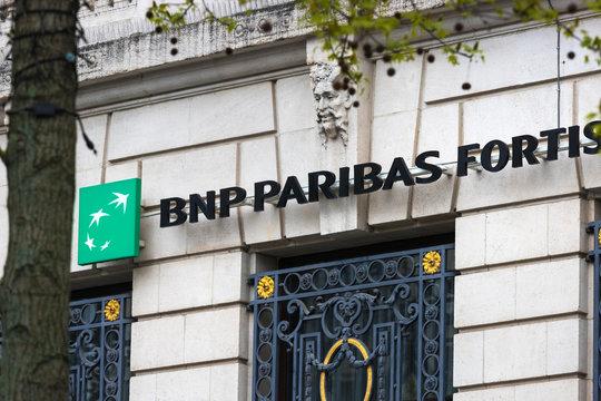 antwerp, flandern/belgium - 14 04 19 : bnp paribas fortis sign in antwerp belgium