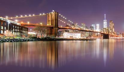 Wall Mural - Brooklyn bridge at night, New York City, USA