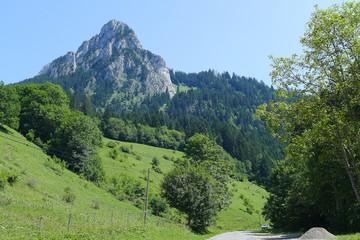 Papiers peints Bleu vert Montagnes 3