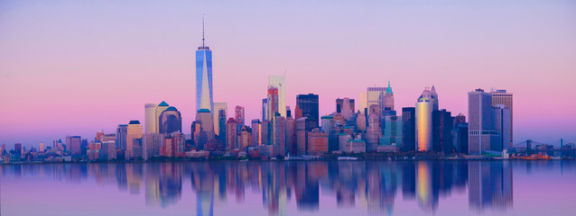 Papiers peints Toronto city scape skyline panorama before sunset, New York,reflections in the smooth water