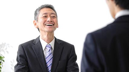 笑顔の中高年男性