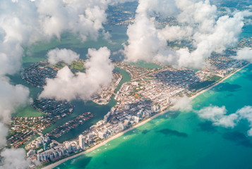 Foto op Plexiglas Inspirerende boodschap View of the Miami City - United States from the plane