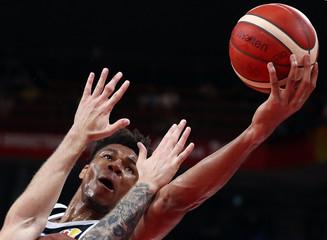 Basketball - FIBA World Cup - Second Round - Group K - Czech Republic v Greece