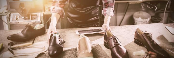 Cobbler using a tablet computer