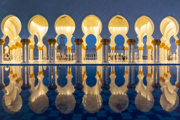 Sheikh Zayed Grand Mosque in Abu Dhabi near Dubai at night, United Arab EMirates