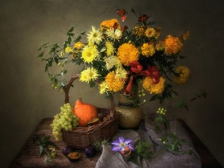 Still life with autumn  luxurious bouquet of flowers