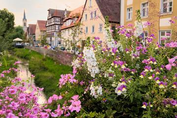 Wall Mural - Schabacher Altstadt - Blumenschmuck in der Bachgasse