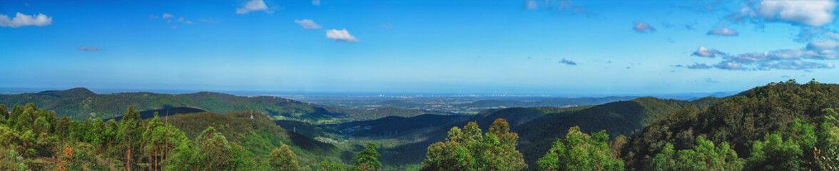 Fototapeta Spectacular wide panoramic view of the Gold Coast skyline from the top of Tamborine Mountain, South East Queensland, Australia. obraz