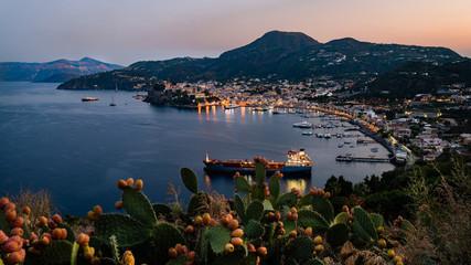 Foto auf Acrylglas Südeuropa Lipari - Hafen Marina Lunga im Sonnenuntergang