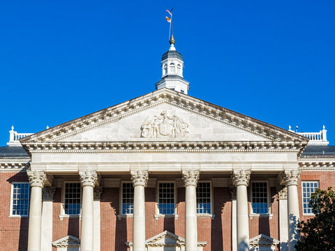 Maryland State Capitol building in daylight