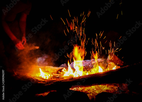 Sparks Fire Wood Firewood Big Color Yellow Sparks From