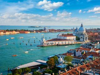 Poster Venetie View of Venice lagoon and Santa Maria della Salute. Venice, Italy
