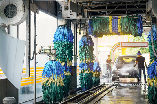 conservative automatic carwash machine with sunlight effect