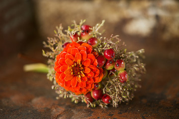 Fototapete - Miniature flower bouquet on wooden background