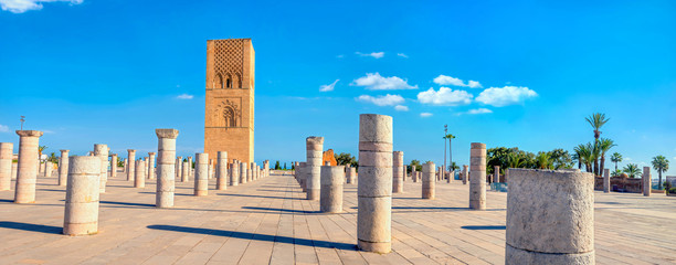 In de dag Marokko Hassan Tower, minaret of an incomplete mosque in Rabat, Morocco