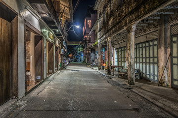 Old street of Chanthaburi by night, Thailand Fotomurales