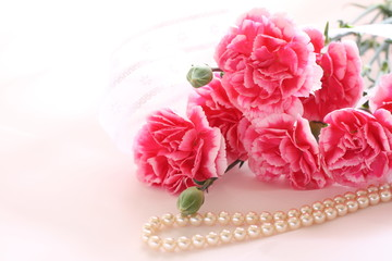 pink carnation and pearl necklace for Mother's Day image
