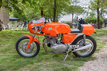 vintage sports bike Laverda 750 SFC