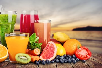 Photo sur Plexiglas Jus, Sirop Composition of fruits and glasses of juice