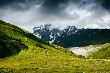 壁紙(ウォールミューラル) - Grand cliffs near Mt Tetnuldi. Location Upper Svaneti, Georgia country, Europe. Main Caucasian ridge.