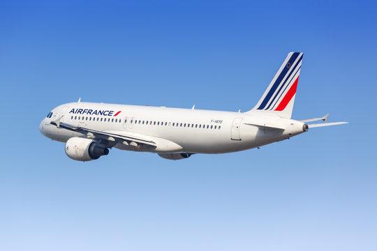 Air France Airbus A320 airplane