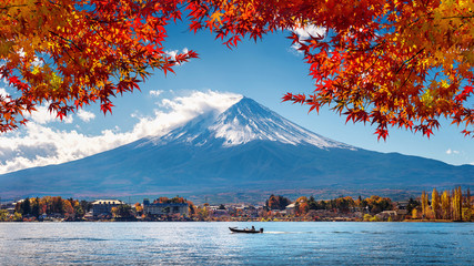 Wall Mural - Autumn Season and Mountain Fuji at Kawaguchiko lake, Japan.