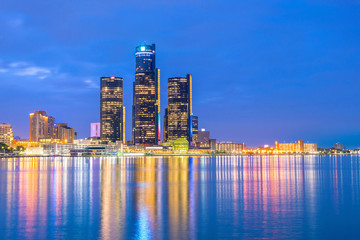 Fotomurales - Detroit skyline in Michigan, USA at sunset