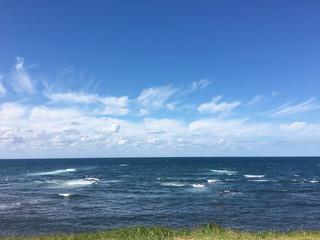 空、海、広がる地平線