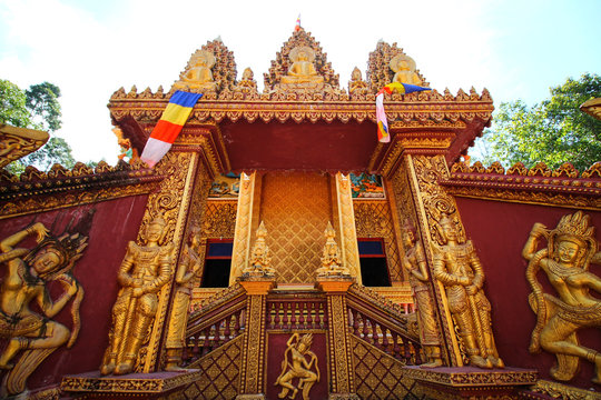 Wat Khmer Munireangsey in Can tho Vietnam, a place of worship and tourist attraction run purely by donations alone