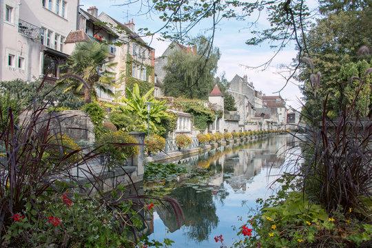Dole centre historique canal Jura