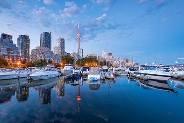 Photo sur Plexiglas Toronto Toronto city skyline at night, Ontario, Canada
