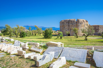 Fototapete - Scenic view of Venecian fortress Rio castle in Greece, near Rio-Antirio Bridge crossing Corinth Gulf strait, Peloponnese, Greece