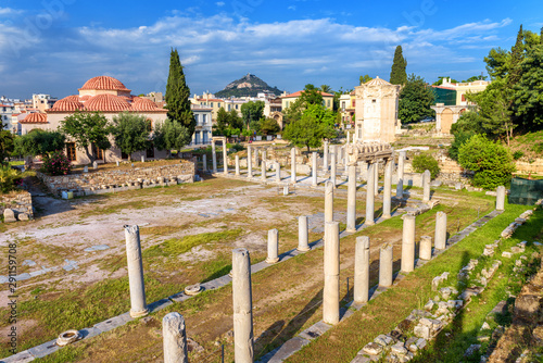Fototapete Roman Agora in summer, Athens, Greece. It is a famous landmark of Athens. Panorama of Ancient Greek ruins near Plaka district. Landscape with historical remains of the old square of Athens city.