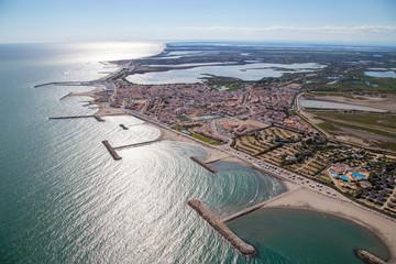 Delta du Rhône vue du ciel entre Aigues morte et saintes maries de la mer