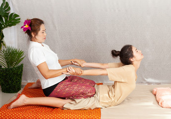 Thai massage and spa for leraxing and healthy.