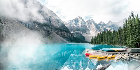 Tuinposter Bergen Beautiful Moraine lake in Banff national park, Alberta, Canada