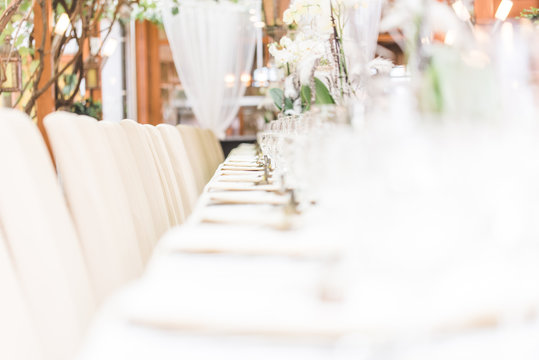 beautivul and very nice wedding table decoration