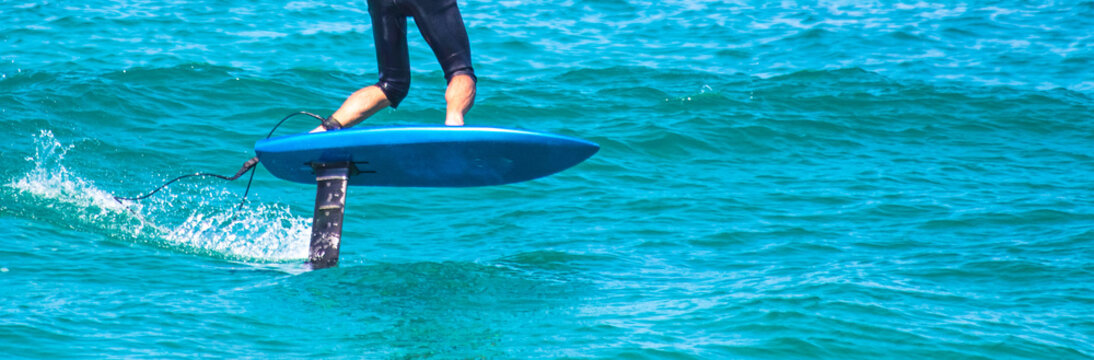 Surfando com lift foil