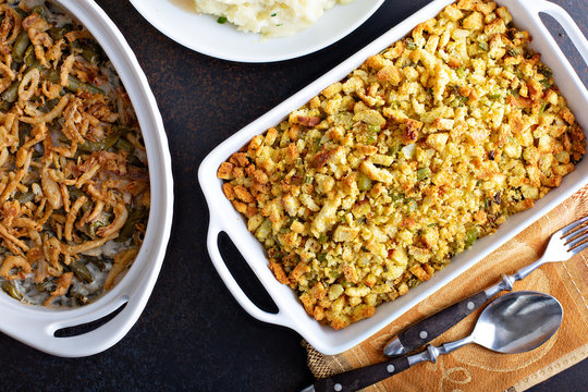 Herbed bread stuffing with celery, side dish recipe