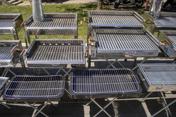 Outside footed portable grill offered for sale