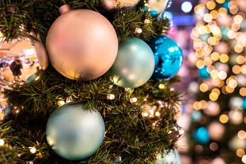 Makro Christbaum geschmückt