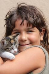Portrait Mädchen mit Kitten