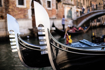 Photo sur Aluminium Gondoles Gondolas at the Venice Canals. Vacation concept at venice, Italy.