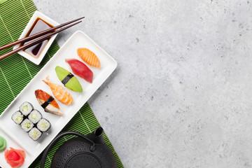 In de dag Sushi bar Japanese sushi set