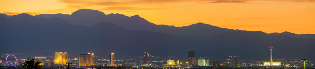 Poster Las Vegas Aerial sunset high angle view of the downtown Las Vegas Strip
