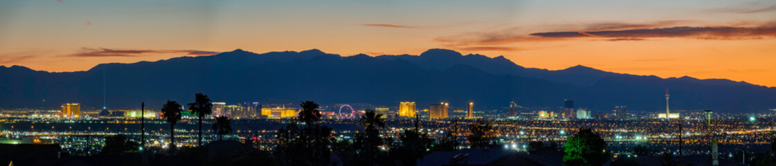 Fotobehang Las Vegas Aerial sunset high angle view of the downtown Las Vegas Strip