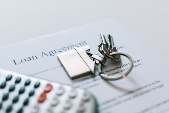 Calculations before sign a loan agreement document