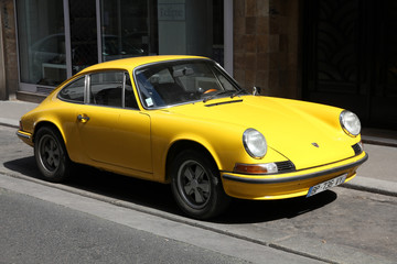 PARIS - JULY 24: Porsche 911 classic parked on July 24, 2011 in Paris, France. Porsche 911 classic is one of the most iconic and recognized sports cars in the world. It was produced in 1963-1989.