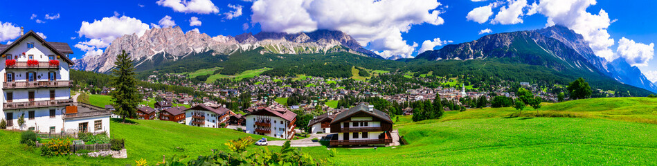 Panorama of Cortina d'Ampezzo- breathtaking mountain village and popular tourist resort in Dolomites Alps, Italy Fototapete